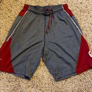 Oklahoma Sooners Nike Dri-Fit Shorts Size: L